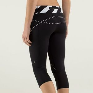 Lululemon Run Pace Crops Sz 6